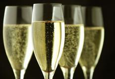 Время сокращать расходы! Всем шампанского!