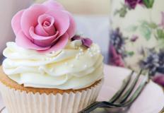 Орешек знания особенно вкусен в пирожном!