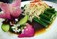 """Жареная Окра с грибами в соевом соусе для любителей овощей в кафе китайской кухни """"Эверест"""""""