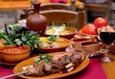 Считается, что грузинская кухня острая, но это не так - она вкусная, вах!