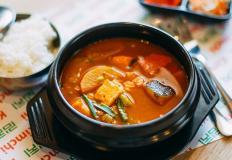 """Традиционный корейский меунтан в кафе """"Кимчи""""/Kimchi"""