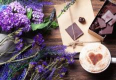 Лаванда и кофе - лучший запах для кондитерской.