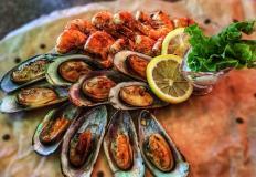Морепродукты на гриле в пабе Makny Pab