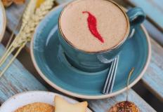 Согревающий Спайси-Кофе с бельгийским шоколадом и кайенским перцем в кафе-кондитерской Le Nuage