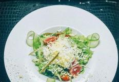 "Салат из тунца в ресторане ""Стамбул""/Istanbul в Хабаровске."