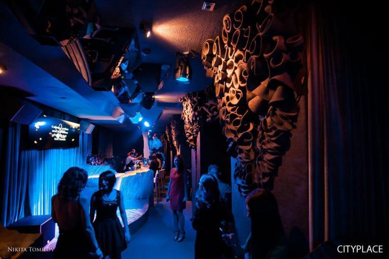 """Фотография караоке-бара """"Грот"""" в Хабаровске (с сайта citiplace.su, фотограф Никита Томилов)"""