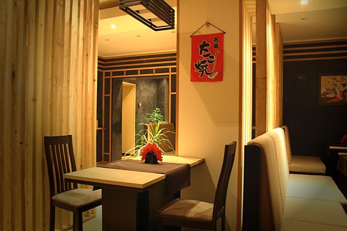 """Фотография интерьера суши-бара """"Куши-суши""""/ Kushi-sushi с сайта заведения"""
