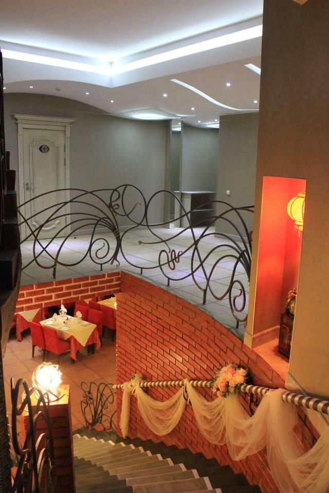 """Фотография интерьера ресторана """"ШангриЛа"""" (со страницы заведения в Facebook)"""