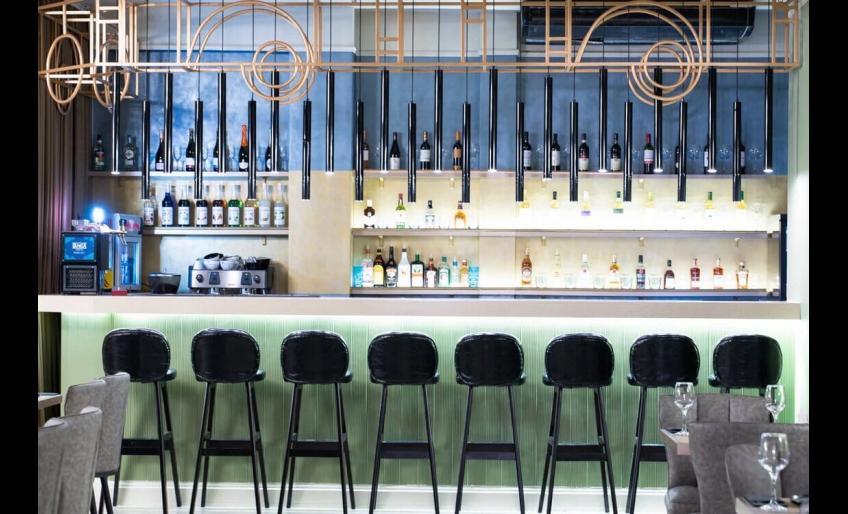 Интерьер ресто-бара Sobranie в Хабаровске