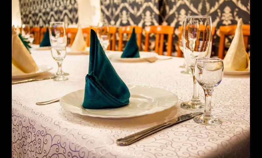 """Ресторан """"Малина"""" в Хабаровске: банкетный зал"""