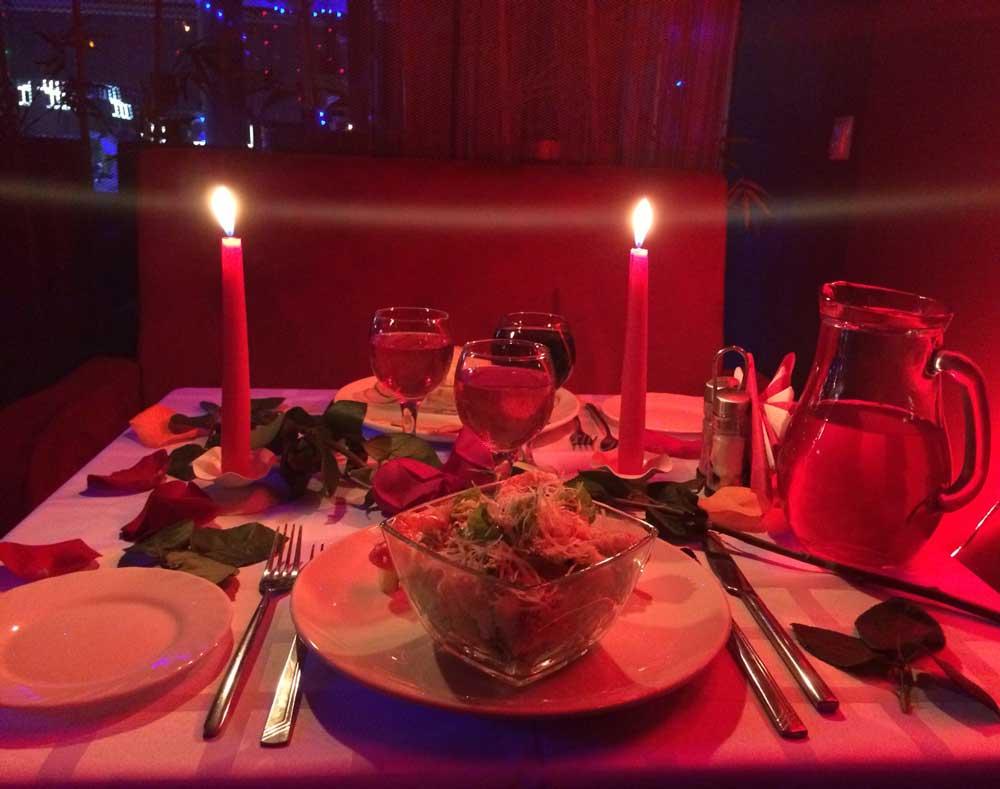 картинки с свечами сердечками ужин для двоих делать реалистичное